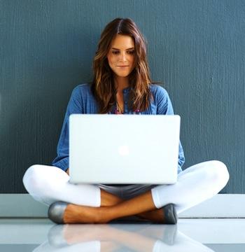 female-student-laptop